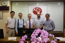 Seminar by Dr. Thomas B. Gold, International Visiting Fellow at TFD - Group photo (from left to right): Dr. Jay Chih-Jou Chen (Deputy Director, Institute of Sociology, Academia Sinica), Dr. Gwo-Shyong Shieh (Director, Institute of Sociology, Academia Sinica), Prof. Thomas B. Gold, Dr. Ping-Yin Kuan, Professor (Department of Sociology, National Chengchi University), and Dr. Sze-Chien Hsu (President, Taiwan Foundation for Democracy).